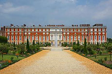 Aggregate Industries secures its first order with Historic Royal Palaces
