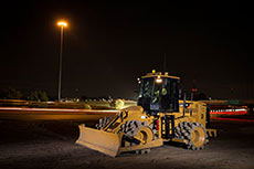 Cat® 815K soil compactor designed for optimum compaction performance