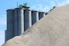 US cement shipments increase in January 2013