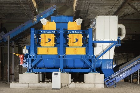 A TEC's Rocket Mill® RM 2.50 double starts operation